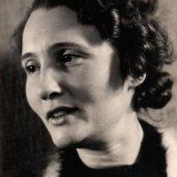 Gerda Alexander als junge Frau