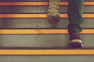 ökonomische Bewegung beim Treppe-Steigen mit Eutonie